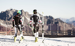 04.10.2014, Rettenbach Ferner, Soelden, AUT, OeSV, Gletschertraining, im Bild Rückenansicht, v.l.: Philipp Schoerghofer (AUT) und Vincent Kriechmayr (AUT) Feature // f.l.: Philipp Schoerghofer with Vincent Kriechmayr of Austria Feature during a practice session of Austrian Ski Federation at the Rettenbachferner, Austria on 2014/10/04. EXPA Pictures © 2014, PhotoCredit: EXPA/ JFK