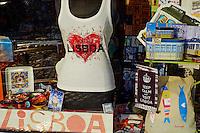 Portugal, Lisbonne, boutique de souvenir // Portugal, Lisbon, souvenir shop