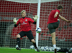 05.09.2011, Wembley Stadium, London, ENG, UEFA Euro 2012, Qualifier, England v Wales, Training, im Bild Wales' goalkeeper Wayne Hennessey during a training session at Wembley Stadium ahead of the UEFA Euro 2012 Qualifying Group G match against England, EXPA Pictures © 2011, PhotoCredit: EXPA/ Propaganda/ *** ATTENTION *** UK OUT!