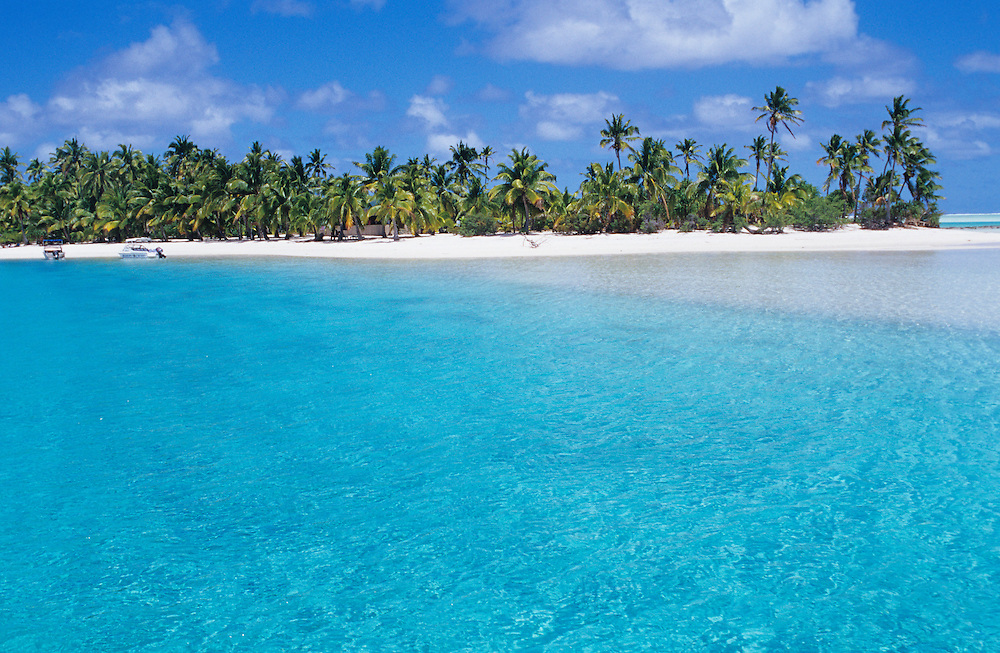 Cook Islands, K?ki '?irani, South Pacific Ocean, Aitutaki, One Foot Island , scenic beach