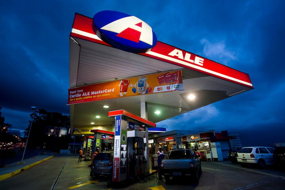 Belo Horizonte_MG, Brasil...Posto de gasolina no bairro Santa Lucia...Gas station in Santa Lucia  neighborhood...Foto: LEO DRUMOND /  NITRO