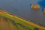 Nederland, Gelderland, Gemeente Voorst, 20-01-2011. Bandijk van de IJssel bij hoogwater, ter hoogte van Terwolde.Winter dike at high water of the river IJssel near Terwolde..luchtfoto (toeslag), aerial photo (additional fee required).copyright foto/photo Siebe Swart