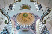 Turkije, Istanbul, 5-6-2015Koepeldak van de Suleyman moskee. Istanbul, vroegere hoofdstad van het Ottomaanse rijk. Druk bezocht door toeristen. Toeristische attractie. ToerismeFoto: Flip Franssen