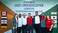 LUCKNOW (India) -   Junior World Cup hockey  U21 for men . FIH team. Hilary Atkinson,  Ranoo Sewlall, Martyn Gallivan, Richard Stainthorpe,  Manas Rastogi, David Luckes,  Geraldine Heinen, COPYRIGHT  KOEN SUYK