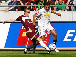 30.04.2011, AWD Arena, Hannover, GER, 1.FBL, Hannover 96 vs Borussia Moenchengladbach, im Bild Jan Schlaudraff (Hannover #13) und Juan Arango (Moenchengladbach #18) .EXPA Pictures © 2011, PhotoCredit: EXPA/ nph/  Schrader       ****** out of GER / SWE / CRO  / BEL ******