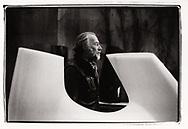 Le sculpteur André Raboud <br /> en 2017 dans son atelier de St Triphon<br /> Art sculpture pierre artiste<br /> Project terre rare, connecté a la terre<br /> #photoargentique #noiretblanc #noiretblancphotographie #blackandwhite #blackandwhitephotography #photoargentique #photographieargentique #leica #leicamp #ilford #labophoto #terrerare #terresrares #terrerareprojet @omaire. <br /> (STUDIO_54/ OLIVIER MAIRE)