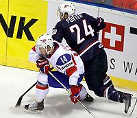 Ishockey<br /> VM 2011<br /> Kosice Slovakia<br /> 02.05.2011<br /> Norge v USA<br /> Foto: Gepa/Digitalsport<br /> NORWAY ONLY<br /> <br /> Bild zeigt Peter Lorentzen (NOR) und Chris Porter (USA).