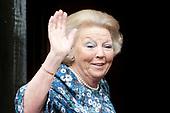 Prinses Beatrix bij tentoonstelling Het Paleis en de Dam
