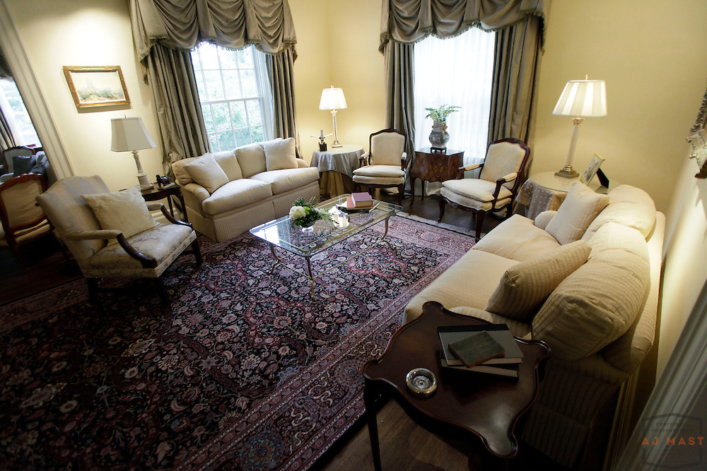 The public rooms in the home of DePauw president Brian Casey in Greencastle, Ind., Thursday, Oct. 1, 2009. (Photo by AJ Mast )