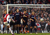 Thierry Henry (Arsenal) takes a free kick, which scores after being deflected.Arsenal v Middlesbrough, Highbury, 10/01/2003, Premiership Football. Credit : Colorsport / Robin Hume. Digital File Only.