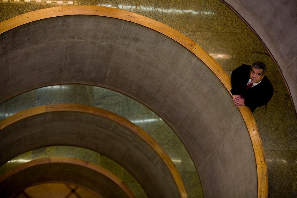 Belo Horizonte_MG, Brasil...Retrato de Darcton Policarpo Damiao, diretor de Pesquisa e Inovacao da Usiminas...The Darcton Policarpo Damiao portrait, He is the research and innovation director of Usiminas...Foto: LEO DRUMOND / NITRO.