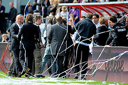 16-05-2010 VOETBAL: FC UTRECHT - RODA JC: UTRECHT<br /> FC Utrecht verslaat Roda in de finale van de Play-offs met 4-1 en gaat Europa in / Vreugde bij Ton du Chatinier die Gregoor van Dijk feliciteert<br /> ©2010-WWW.FOTOHOOGENDOORN.NL