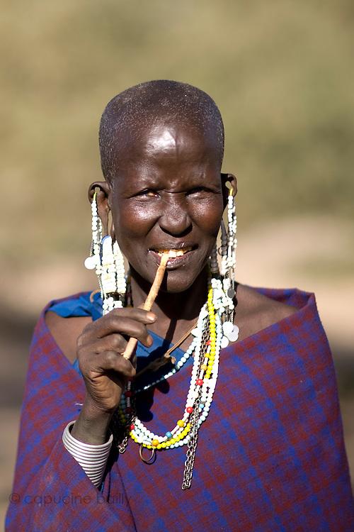 TANZANIA. Gols Mountains. August 10th 2009..A Maasai woman