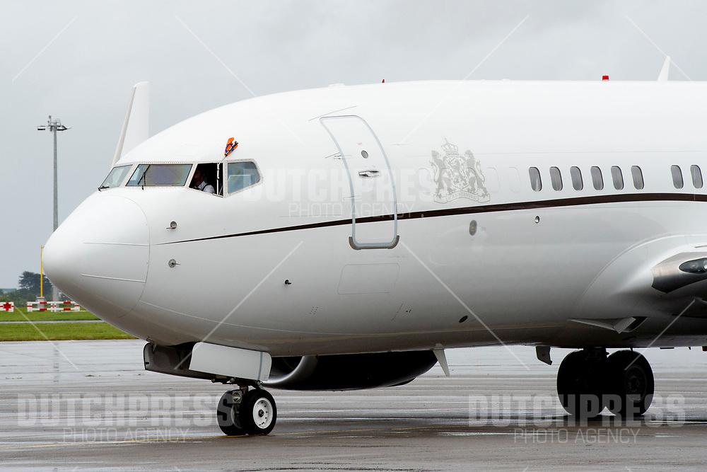 Regeringstoestel tijdens de aankomst op Dublin Airport in Ierland, als de start van het 3-daags staatsbezoek van het Nederlandse Koningspaar aan Ierland.