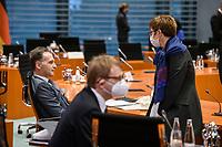 02 DEZ 2020, BERLIN/GERMANY:<br /> Heiko Maas (L), SPD, Bundesaussenminister, und Annegret Kramp-Karrenbauer (R), CDU, Budnesverteidigungsministerin, mit Mund-Nase-Maske, vor Beginn einer Kebinettsitzung, Internationaler Konferenzsaal, Bundeskanzleramt<br /> IMAGE: 20201202-01-010<br /> KEYWORDS: Sitzung, Kabinett, Atemmaske, Maske, Corvid-19, Corona, Pandemie, Gespraech, Gespräch