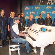 NLD/Amsterdam/20151006 - Presentatie Musicals in Concert 2015, Simone KLeinsma, B-Brave, Mariska van Kolck, Stanley Burleson, Rene van Kooten, Anouk Maas, William Spaaij