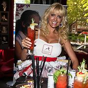 NLD/Amsterdam/20140522 - Lancering Aspire soft drink, Sophia de Boer