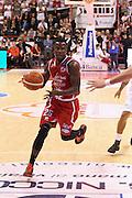 DESCRIZIONE : Campionato 2015/16 Giorgio Tesi Group Pistoia - Sidigas Avellino<br /> GIOCATORE : Moore Ronald<br /> CATEGORIA : Palleggio Penetrazione<br /> SQUADRA : Giorgio Tesi Group Pistoia<br /> EVENTO : LegaBasket Serie A Beko 2015/2016<br /> GARA : Giorgio Tesi Group Pistoia - Sidigas Avellino<br /> DATA : 25/10/2015<br /> SPORT : Pallacanestro <br /> AUTORE : Agenzia Ciamillo-Castoria/S.D'Errico<br /> Galleria : LegaBasket Serie A Beko 2015/2016<br /> Fotonotizia : Campionato 2015/16 Giorgio Tesi Group Pistoia - Sidigas Avellino<br /> Predefinita :