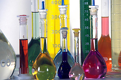 Sao Paulo; SP; Brasil. 2001..Laboratorio de Quimica./ Chemical lab..Foto de Adri Felden/Argosfoto
