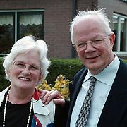Ds. Veldhuizen en vrouw voor zijn nieuwe huis Nekkeveldseweg 49 Zeewolde