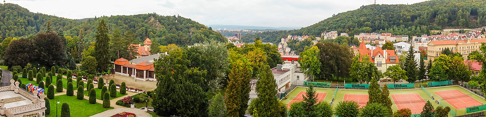 20-09-2015: Hotel Imperial in Karlovy Vary (Karlsbad), Tsjechië. Foto: Uitzicht over de stad