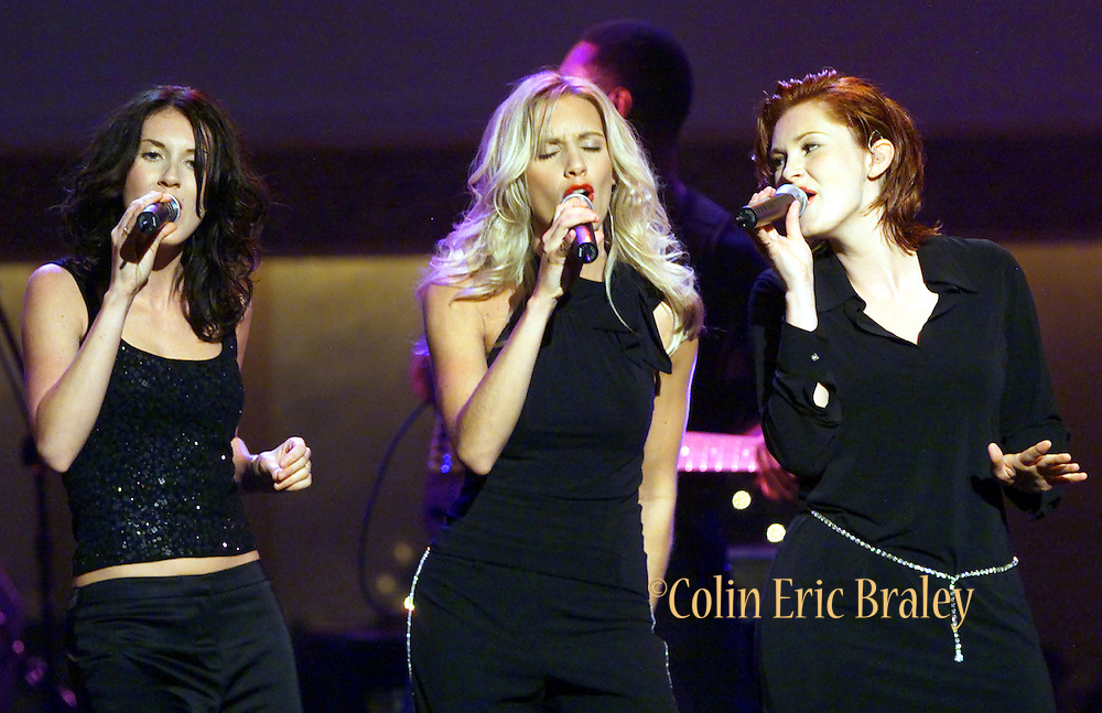 """Country Music trio SHeDaisy performs """"Deck The Halls"""" October 25, 2000 during the taping of """"The American Red Cross Holiday Music Spectacular from Miami"""" at The Jackie Gleason Theater on Miami Beach. The show, which will be broadcast on the Fox network December 23, 2000. Colin Braley/Stock"""