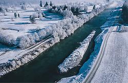 THEMENBILD - Winterlandschaft und die Salzach, aufgenommen am 22. Januar 2020 in Kaprun, Österreich // Winter landscape and the Salzach River, Kaprun, Austria on 2020/01/22. EXPA Pictures © 2020, PhotoCredit: EXPA/ JFK