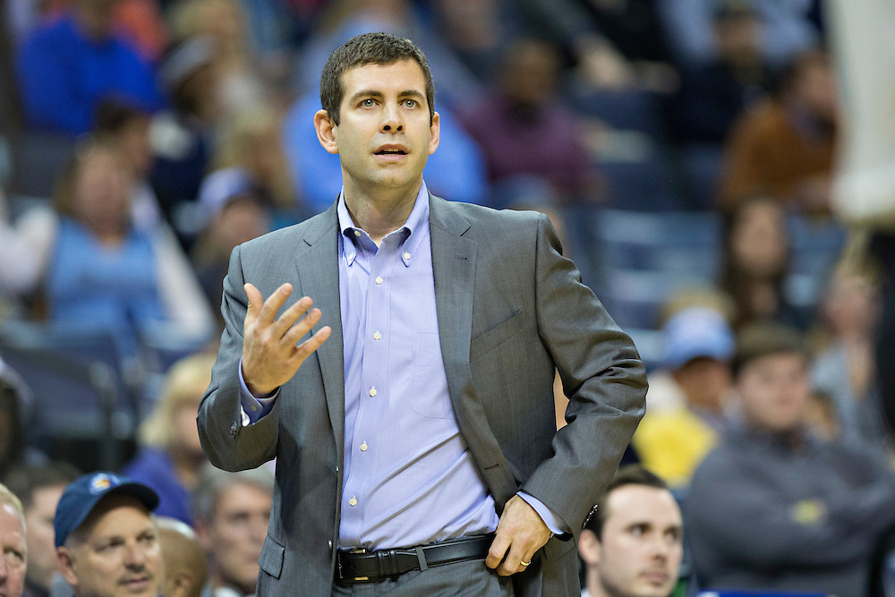 MEMPHIS, TN - JANUARY 10:  Head Coach Brad Stevens of the Boston Celtics instructs his team during a game against the Memphis Grizzles at the FedExForum on January 10, 2016 in Memphis, Tennessee.  The Grizzlies defeated the Celtics 101-98.  NOTE TO USER: User expressly acknowledges and agrees that, by downloading and or using this photograph, User is consenting to the terms and conditions of the Getty Images License Agreement.  (Photo by Wesley Hitt/Getty Images) *** Local Caption *** Brad Stevens