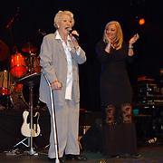 Corrie Konings 35 jaar in vak, Annie de Reuver en Corry