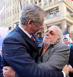 José Fortunati com Jair Krischker durante ato de campanha na esquina democrática, no centro de Porto Alegre. FOTO: Jefferson Bernardes/Preview.com