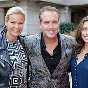 NLD/Amsterdam/20120911- Uitreiking Elegance Awards 2012, Richard Kemper, partner Wendy en dochter Ischa