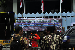 August 22, 2017 - Indonesia - indonesia : 22/08/2017 medan, north sumatera. The protests over the Indonesian flag banned in the souvenir opening of Sea Games 2017 in Malaysia, in front of the Malaysian consulate general office in medan. (Credit Image: © Sabirin Manurung/Pacific Press via ZUMA Wire)