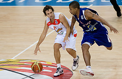 Raul Lopez of Spain vs Jarrett Hart of GB during the basketball match at 1st Round of Eurobasket 2009 in Group C between Spain and Great Britain, on September 08, 2009 in Arena Torwar, Warsaw, Poland. (Photo by Vid Ponikvar / Sportida)