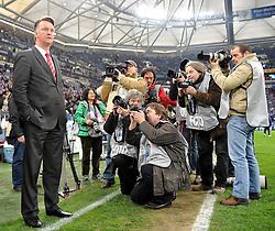 03.04.2010, VELTINS Arena, Gelsenkirchen, GER, 1. FBL, FC Schalke 04 vs. FC Bayern Muenchen, 29. Spieltag, im Bild Louis van Gaal  (Bayern Cheftrainer). EXPA Pictures © 2010, PhotoCredit: EXPA/ nph/  Conny Kurth / SPORTIDA PHOTO AGENCY