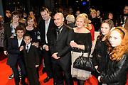 Premiere van de film Sonny Boy op maandag 17 januari in het Circus Theater in Scheveningen.<br /> <br /> Op de foto: Cast & Crew
