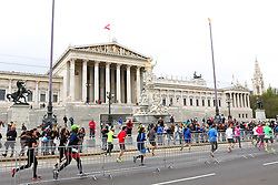 10.04.2016, Wien, AUT, Vienna City Marathon 2016, im Bild Läufer vor dem Parlament // during Vienna City Marathon 2016, Vienna, Austria on 2016/04/10. EXPA Pictures © 2016, PhotoCredit: EXPA/ Sebastian Pucher