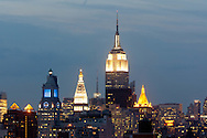 New York. elevated view on Manhattan midtown  cityscape and the empire state building view from lower east side , Manhattan - United states / Vue elevee  sur Manhattan midtown et l'empire state building . Manhattan,  Etats-unis