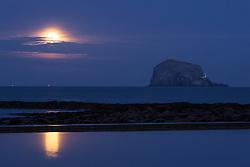 Super Moon in North Berwick 03 December 2017; The Super Moon rises above the Bass Rock at North Berwick, East Lothian.<br /> <br /> (c) Chris McCluskie | Edinburgh Elite media