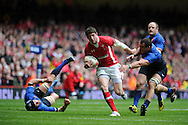 Alex Cuthbert of Wales  © runs in to score the opening try.  RBS Six nations championship 2012, Wales v France at the Millennium Stadium in Cardiff, South Wales on Saturday 17th March 2012.  pic by Andrew Orchard, Andrew Orchard sports photography,