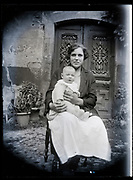 mother with baby France 1923