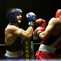 Boxing, Norway Box, Oslo  januar 2001 Jordalhallen.  Kay Tverberg, Norge (t.v.) og Darius Jasevicius, Litauen.