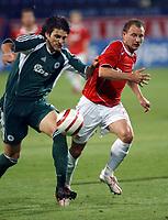 Fotball<br /> Foto: Wrofoto/Digitalsport<br /> NORWAY ONLY<br /> <br /> UEFA Champions League third qualifying round soccer match in Krakow, Poland, on Tuesday, Aug. 9, 2005<br /> WISLA KRAKOW v PANATHINAIKOS ATHENS<br /> KRAKOW 09/08/2005<br /> <br /> TOMASZ FRANKOWSKI /R/ & ILIAS KOTSIOS /L/