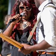 NLD/Amsterdam/20130818 - Optredenn Berget Lewis in het Vondelpark Amsterdam, samen met broer Alvin Lewis