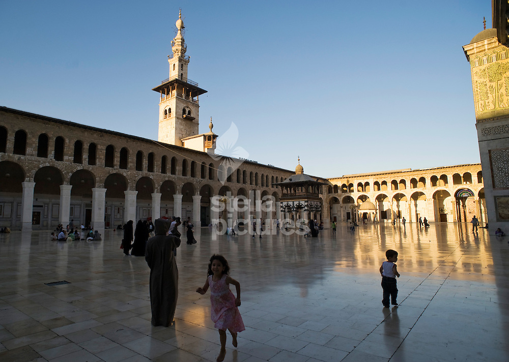 Picture by Daniel Hambury. .9/9/10..A general view of the courtyard at the Umayyad Mosque in Damascus, Syria. The mosque is known as the most beautiful in Syria and one of the most holy places for Muslims worldwide.