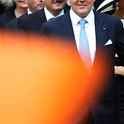 Koning en koningin bezoeken Nedersaksen. In het duitse Werlte krijgt het konuingspaar een rondleiding door het AUDI 3N Kompetenzzentrum<br /> <br /> King and Queen visit Niedersachsen. In the German Werlte the royal couple get a tour of the AUDI 3N Kompetenzzentrum<br /> <br /> Op de foto / On the photo: <br />  Koning Willem Alexander <br /> <br /> King Willem Alexander