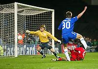 Photo: Scott Heavey.<br /> Chelsea v VFB Stuttgart. Champions League, 5th Round, Second Leg. 09/03/2004.<br /> Jesper Gronkjaer hits the post in the last few minutes
