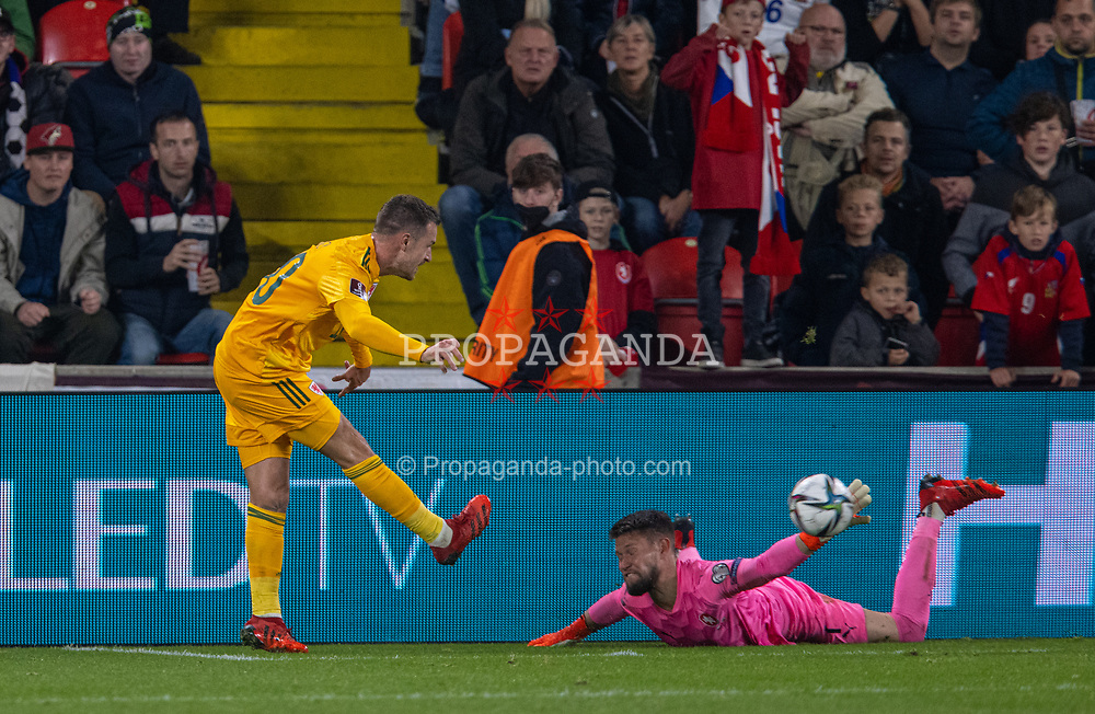 PRAGUE, CZECH REPUBLIC - Friday, October 8, 2021: Wales' captain Aaron Ramsey scores the first goal past Czech Republic's goalkeeper Tomáš Vaclík during the FIFA World Cup Qatar 2022 Qualifying Group E match between Czech Republic and Wales at the Sinobo Stadium. The game ended in a 2-2 draw. (Pic by David Rawcliffe/Propaganda)