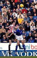 Fotball<br /> England 2004/2005<br /> Foto: SBI/Digitalsport<br /> NORWAY ONLY<br /> <br /> Leicester City v Sunderland<br /> Coca Cola Championship. 13/11/2004.<br /> <br /> Sunderland's Stephen Elliott (#19) and Darren Carter (#32) rue missing a great chance for Carter to score