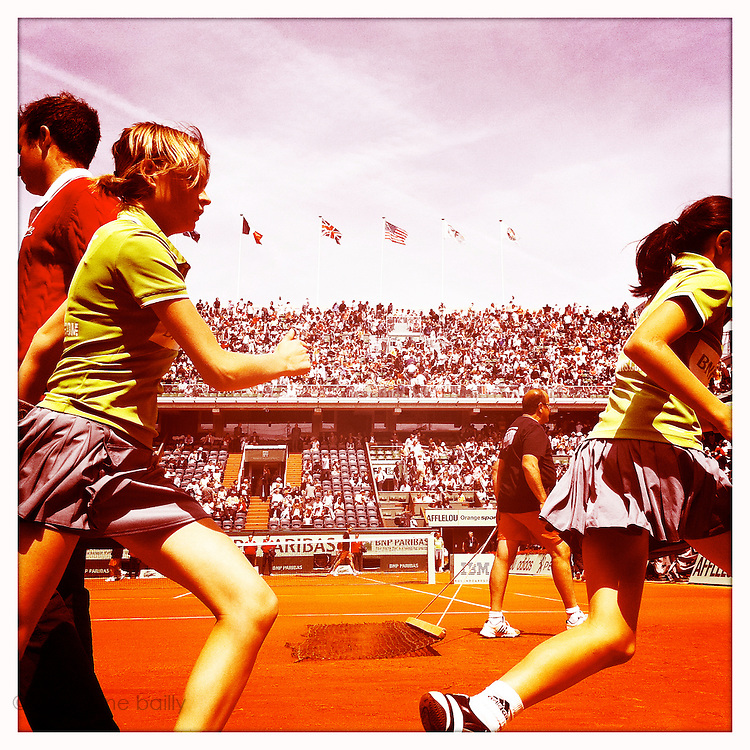 Roland Garros 2011. Paris, France. May 28th 2011..Ball girls and juges on the Court Philippe Chatrier