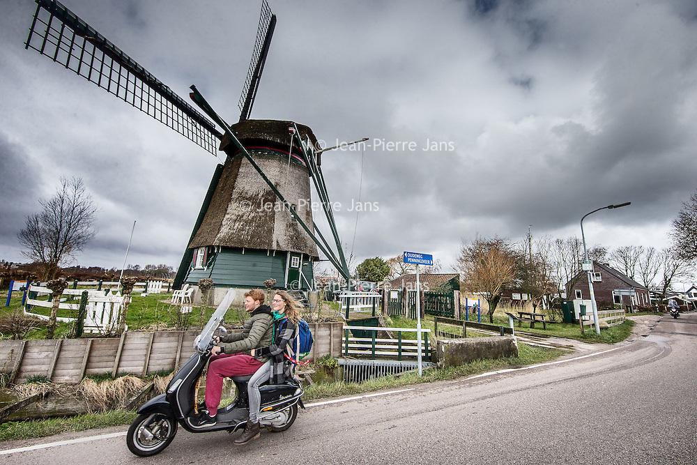 Nederland, Penningsveer, 25 maart 2016.<br /> Penningsveer is een buurtschap in de gemeente Haarlemmerliede en Spaarnwoude, in de Nederlandse provincie Noord-Holland. Het ligt ten noordwesten van de Veerplas. (zie foto}<br /> <br /> Penningsveer is a township in the town of Haarlemmerliede and Spaarnwoude, in the Dutch province of North Holland. It is located northwest of the Veerplas<br /> <br /> <br /> Foto: Jean-Pierre Jans